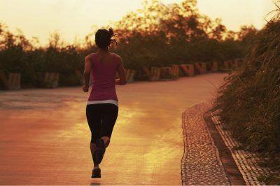 beneficios de entrenar o hacer ejercicio al aire libre