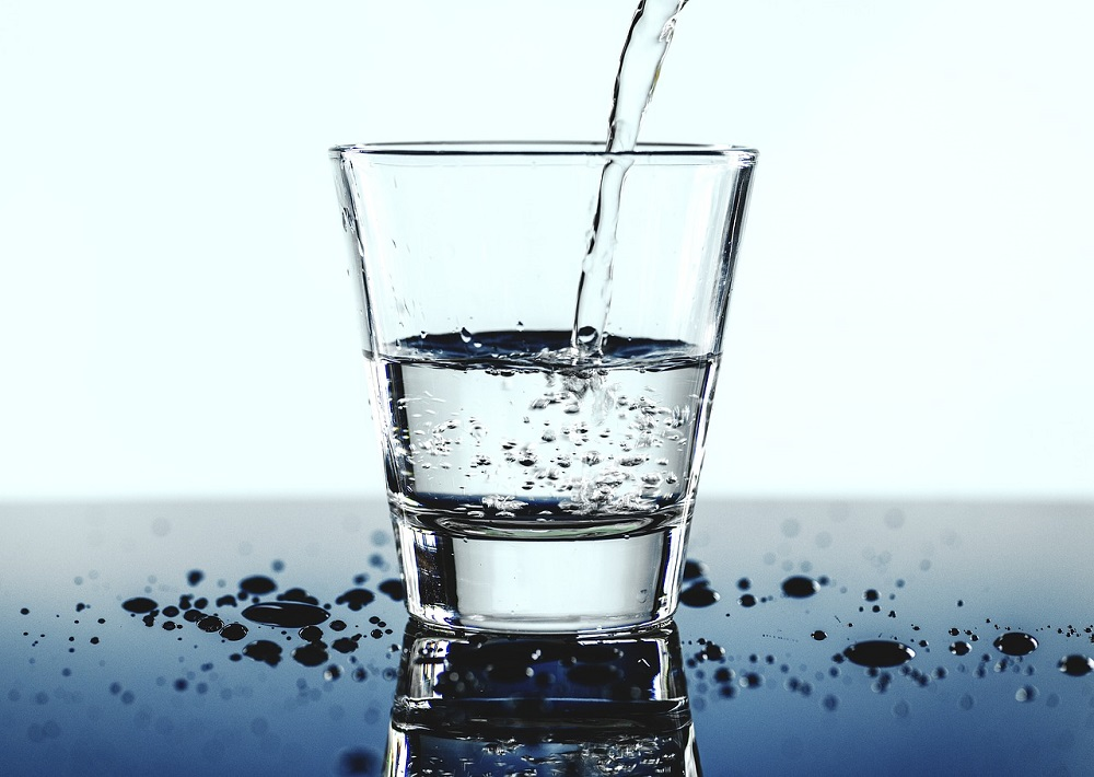Hay que beber entre 1 y 2 litros de agua diarios